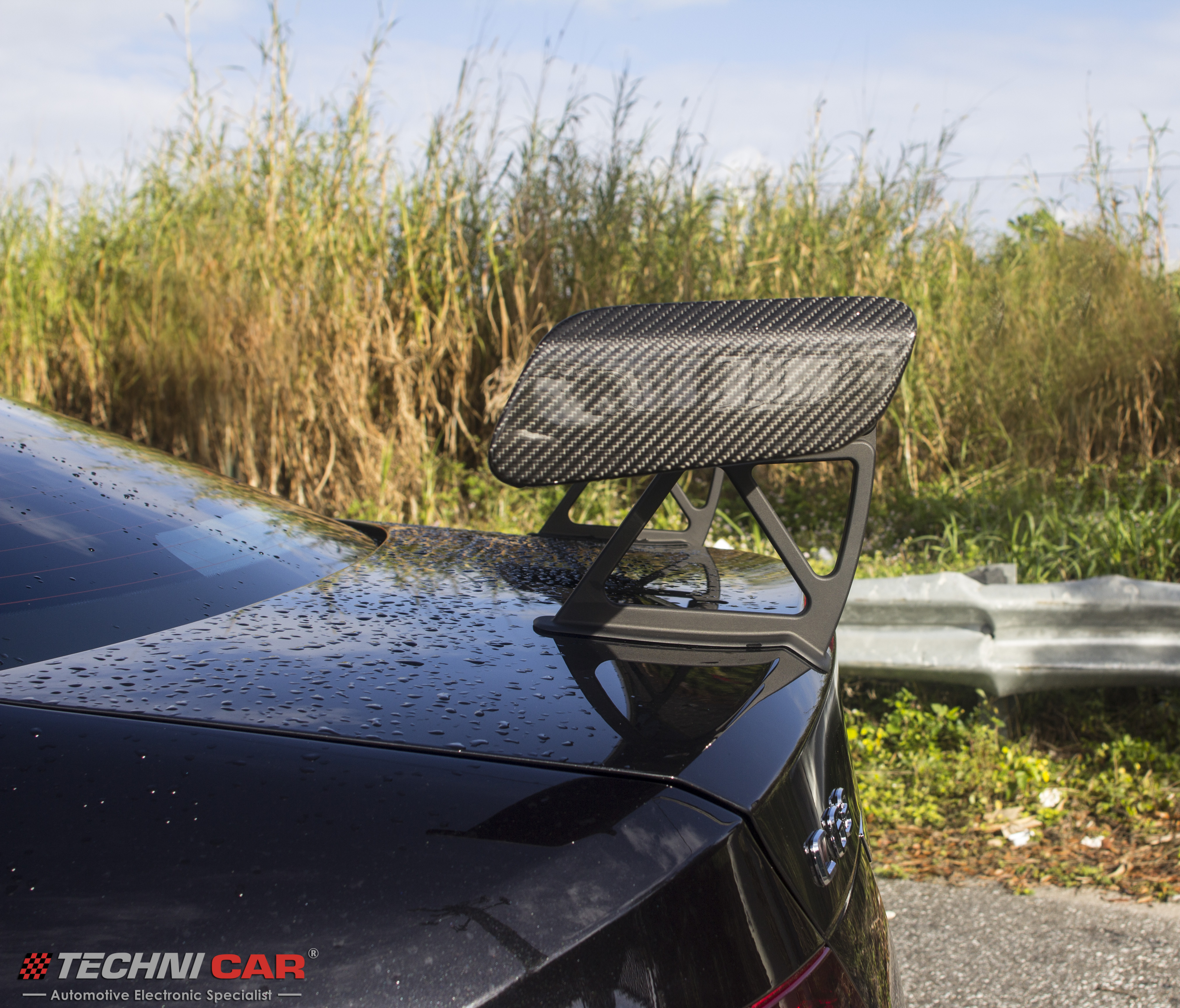 Mercedes Benz C63 carbon fiber wing